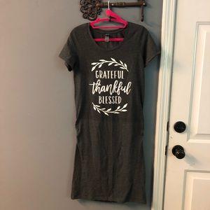 Maternity t-shirt dress, Size M